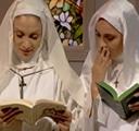 imagen dos monjas descubren un libro erotico prohibido