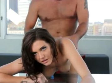 imagen jovencita en su primer casting porno