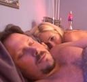imagen Cuando duerme con su padre siente algo raro