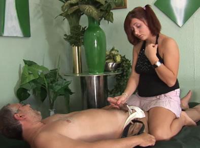 padre masaje incesto