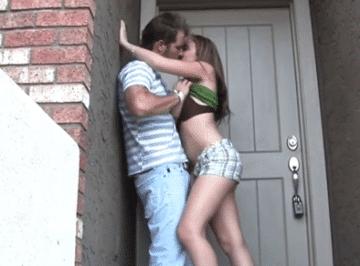 imagen Su vecinita era toda una putilla