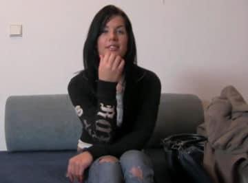 imagen Falso casting a una estudiante de 19 años