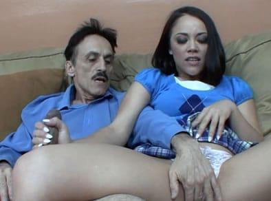 Padre e hija porno doblado español Padre E Hija Acabaron Asi Tras Ver Una Peli Porno Juntos Jovencitas Gratis