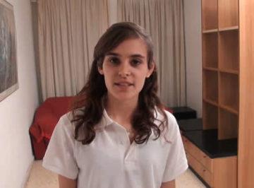 imagen Española de 18 añitos pone cámara oculta para follarse al técnico y grabarlo